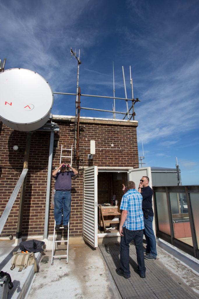 2E0DUE, G0PDZ and M0LMK check the GB3EK antenna.
